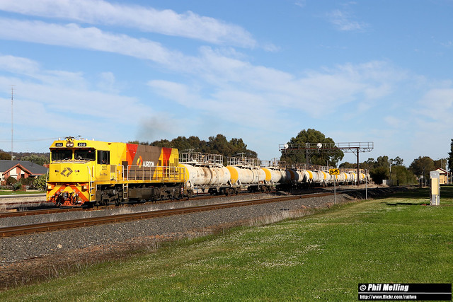 4 July 2020 2512 loaded 7823 caustic to Hamilton Brunswick Junction