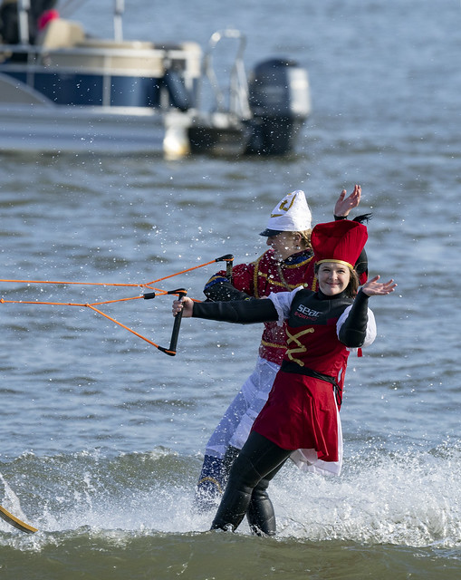 Waterskiing Santa show