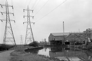Lea Navigation, Brimsdown, Ponders End, 1983 34n-52_2400