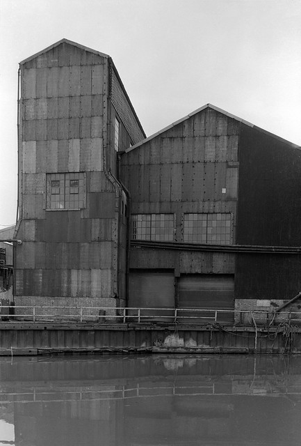 Lea Navigation, Brimsdown, Ponders End, 1983 34n-42_2400