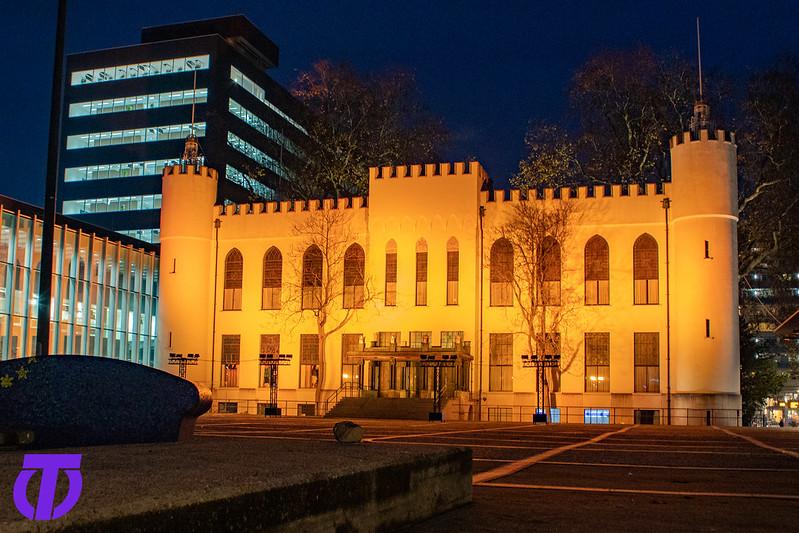 Paleis-Raadhuis Oranje Gekleurd | Vrijdag 27 November 2020