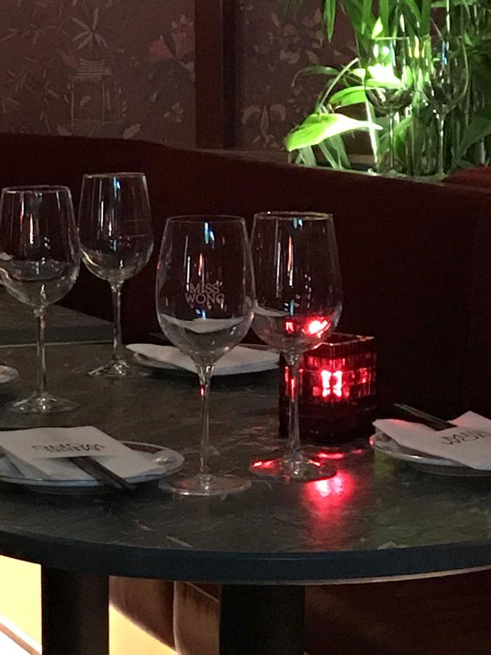 7-miss-wong-laval-centropolis-restaurant-bar-decor-5