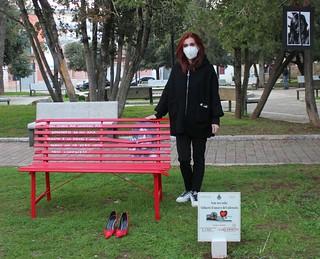 panchina rossa imma bianco
