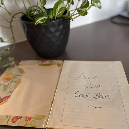 Livro de receitas do próprio Janete