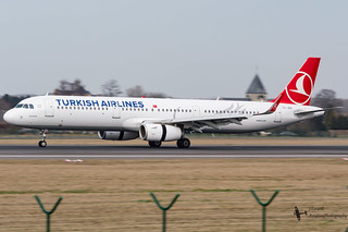 TurkishAirlines_A321_TC-JSU_EBBR_FEB2017