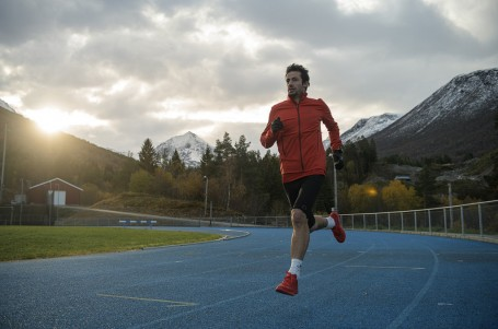 Rekord na 24h odolal, Kilian odstoupil po 11 hodinách pro bolest v hrudníku