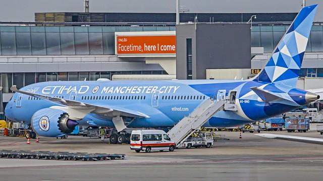 Etihad Airways Boeing B787-9 Dreamliner A6-BND (Manchester City Livery) Amsterdam Schiphol (AMS/EHAM)