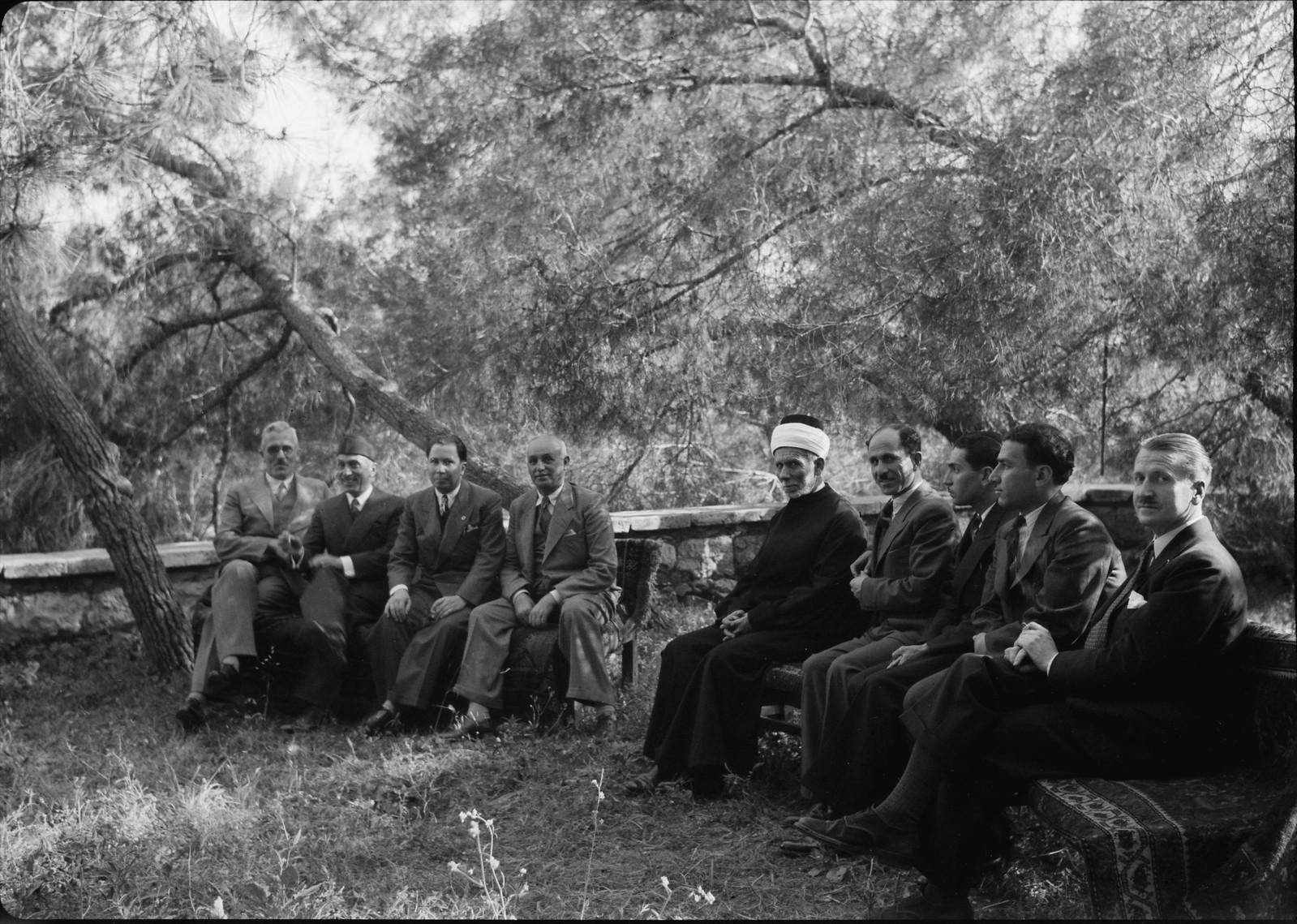 04. Иракский консул встречает гостей