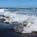 L'océan Indien à l'assaut de la plage de L'Etang-Salé