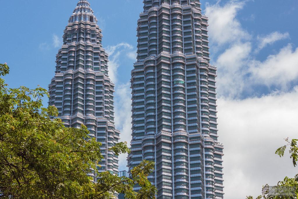 башни Петронас в Куала-Лумпуре