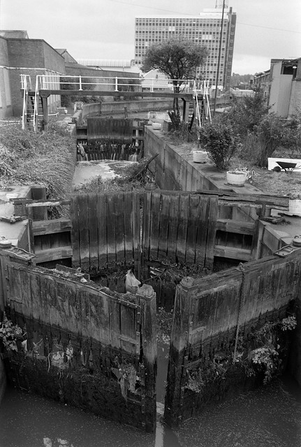 City Mill Lock, Blaker Rd,  Stratford Marsh, Stratford, Newham, 1990 90-9f-32 (2)_2400