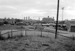 Towards Bow, from Northern Outfall Sewer, Stratford Marsh, Newham, 1983 33x-14_2400