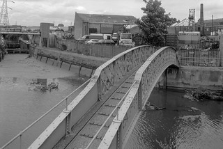 Footbridge, Carpenters Lock, Old River Lea, Stratford Marsh, Newham, 1992 92-8e51_2400