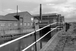 Waterworks River, Marshgate Lane, Stratford Marsh, Newham, 1992 92-8e32_2400