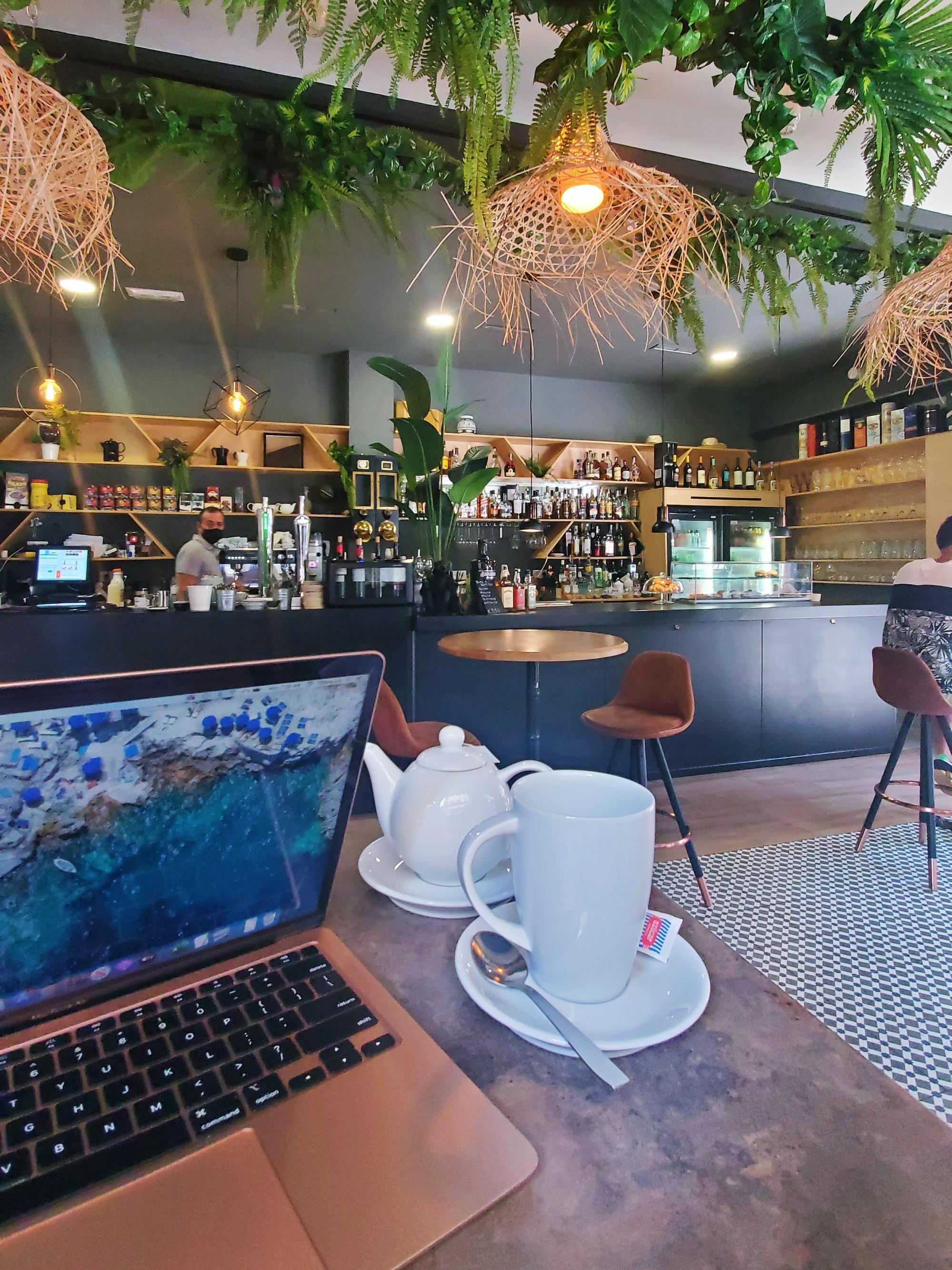 Roka Cafe
