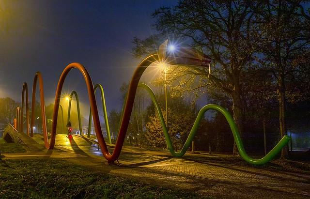 nachtslang vangt fietser