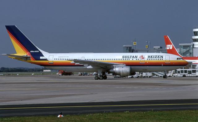 TC-FLF (FlyAir - Sultan Reizen)