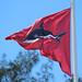 Le drapeau rouge flotte sur la plage de L'Etang-Salé
