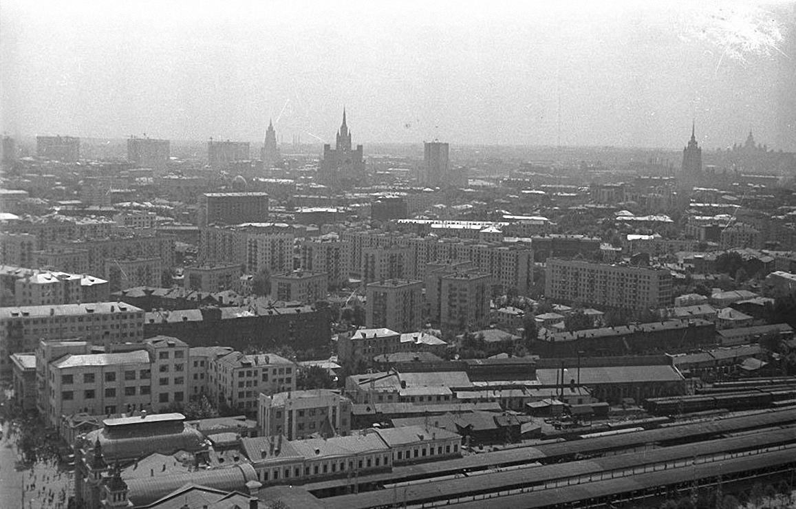 1960-е. Улица Грузинский вал и Белорусский вокзал с высоты птичьего полета. Площадь Тверской заставы