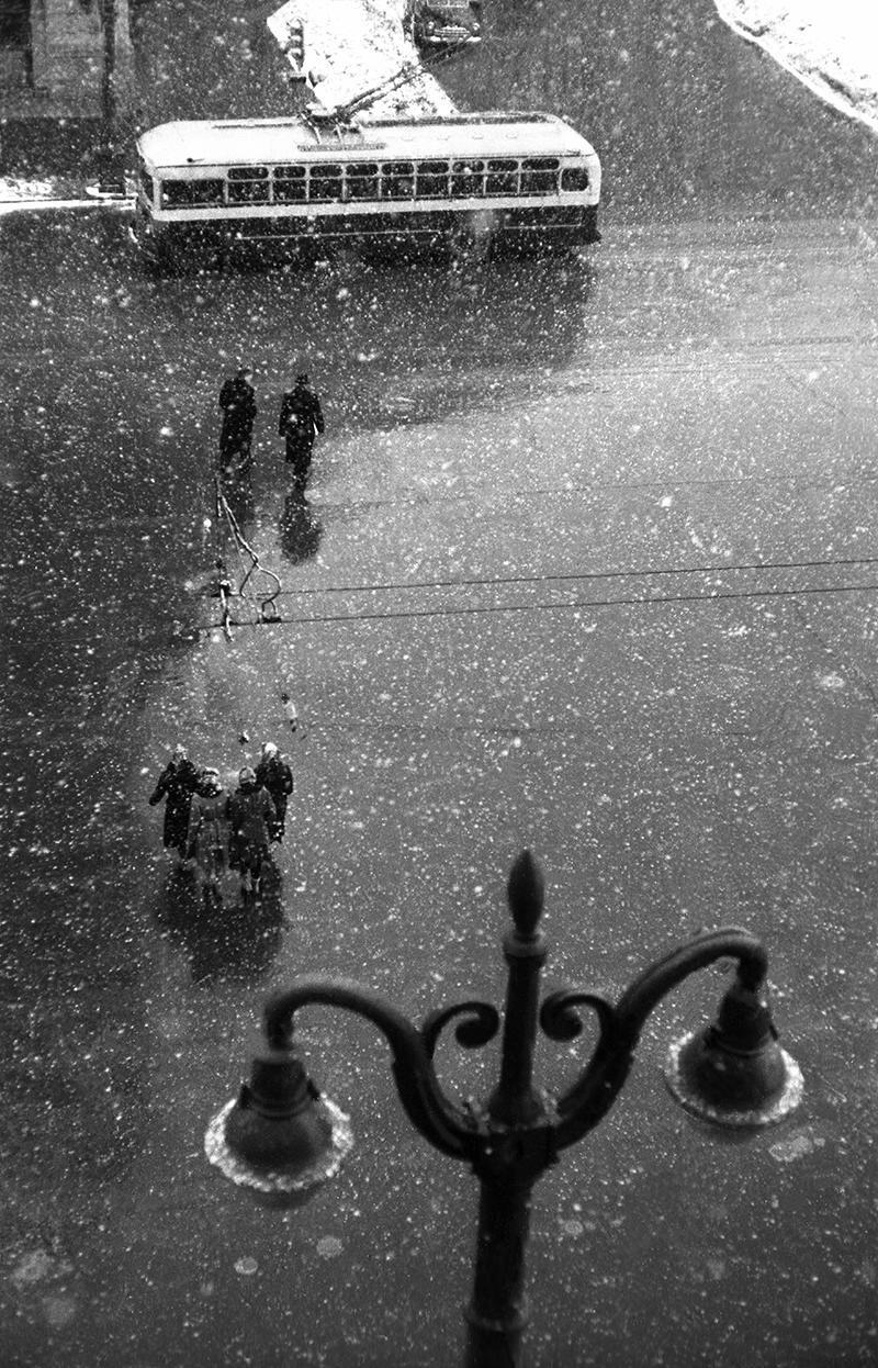 1960-е. Троллейбус на площади «Трех магистралей»