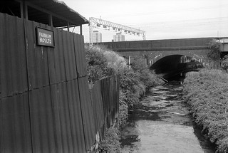 Pudding Mill River and Railway, Stratford Marsh, Stratford, Newham, 1990 90-9h66_2400