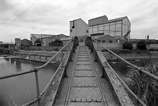 Footbridge, Carpenters Lock, Old River Lea, Stratford Marsh, Newham, 1983 35p-33_2400