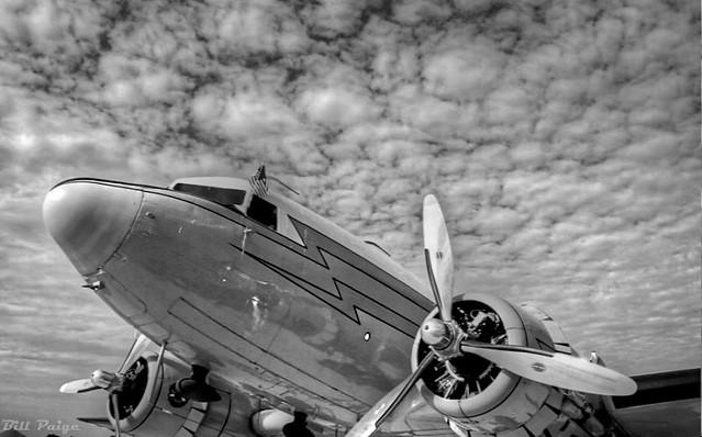 DC-3 HDR BW