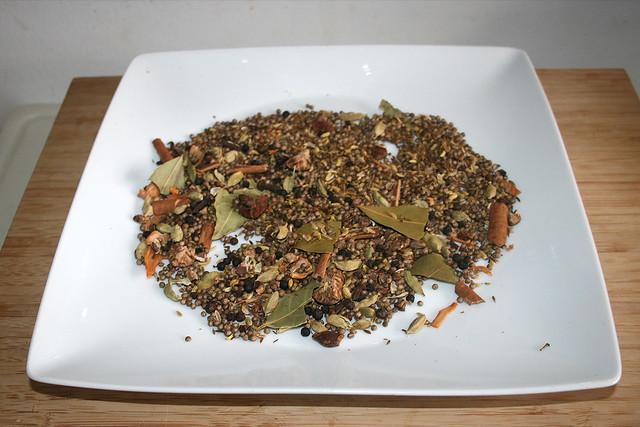 09 - Let spices cool down / Gewürze auskühlen lassen