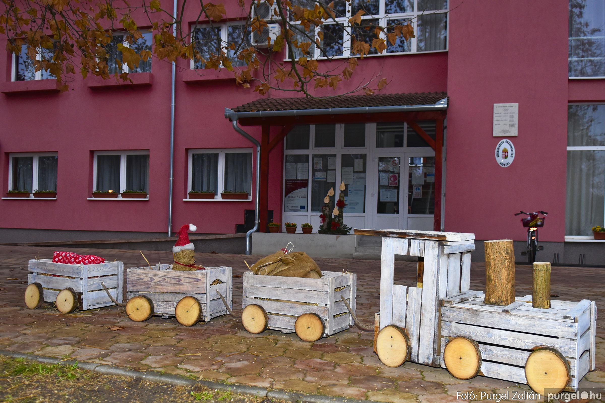 013 2020.11.28. Ünnepi előkészületek a Szabadság téren - Fotó: Purgel Zoltán© _DSC3396q.jpg