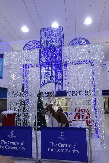 Singing reindeer in the Cleveland Centre