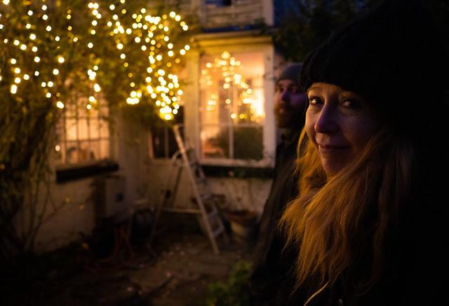 Hanging the Christmas lights (1)