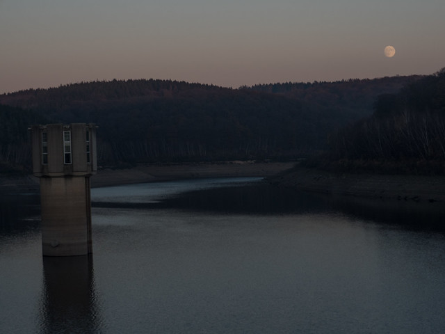 moon over Wehebachtalsperre