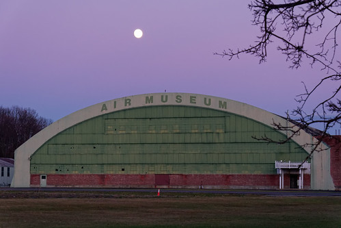 airmuseum schenectadyairmuseum hangar sign building architecture twilight sunset purplesky moon outdoor color glenville schenectadycounty capitaldistrict newyork pentax pentaxart kmount k70 hdpentaxda1685mmlens empirestateaeroscienecesmuseum museum