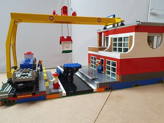 Redesign of set 4555 Cargo Station for Lowlug competition. Will be used in Woudenbrick as well. | by JHSNL