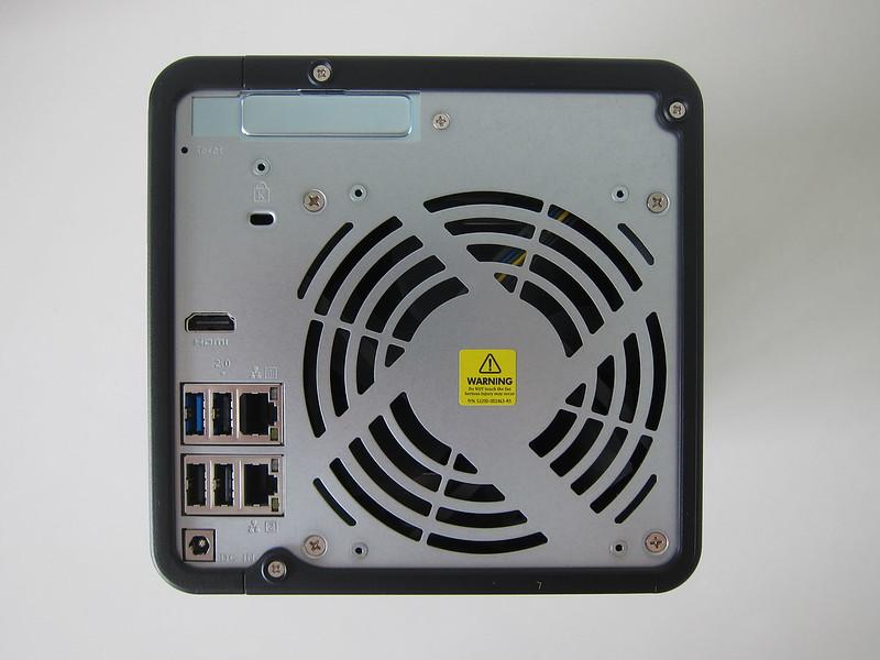 QNAP TS453D - Back