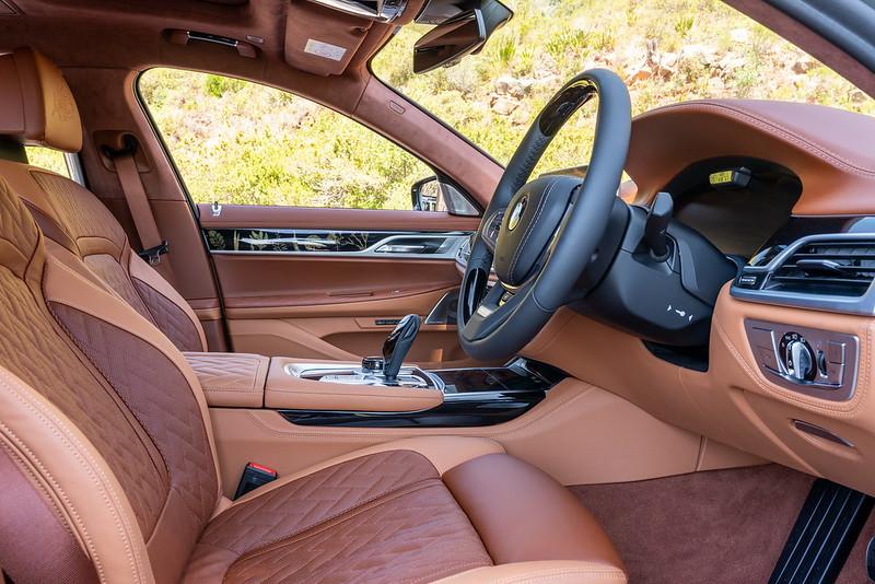 BMW-745Le-xDrive-Individual-48