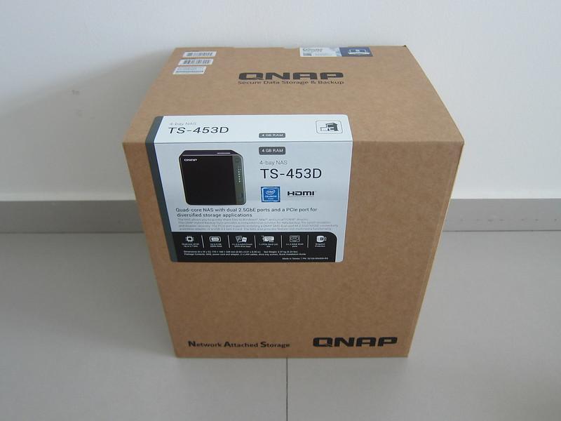 QNAP TS453D - Box