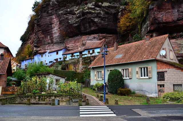 Maisons troglodytiques à Graufthal  -  Troglodytic houses in Graufthal