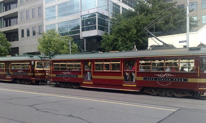 Crowded City Circle trams, November 2010