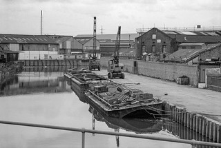 Barge, Lea Navigation, Bow Bridge, Tower Hamlets, Newham, 1981 29t-25_2400