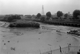 Sewage storm outfall,  Channelsea River, West Ham, 1982 32g-61_2400