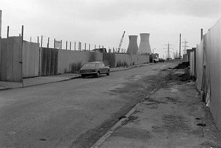 Lochnager St, Poplar, Tower Hamlets, 1982 32e-34_2400