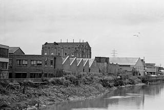 Three Mills Wall River, Stratford, Newham, 1981 29t-63p_2400