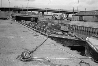 Barge, Lea Navigation, Bow Bridge, Bow Flyover, Tower Hamlets, Newham, 1981 29t-26p_2400