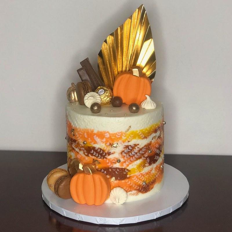 Cake by Lilyvette Cakes