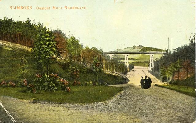 Nijmegen Mooi Ned briefkaart uitg AA vd Berg gelopen 1918