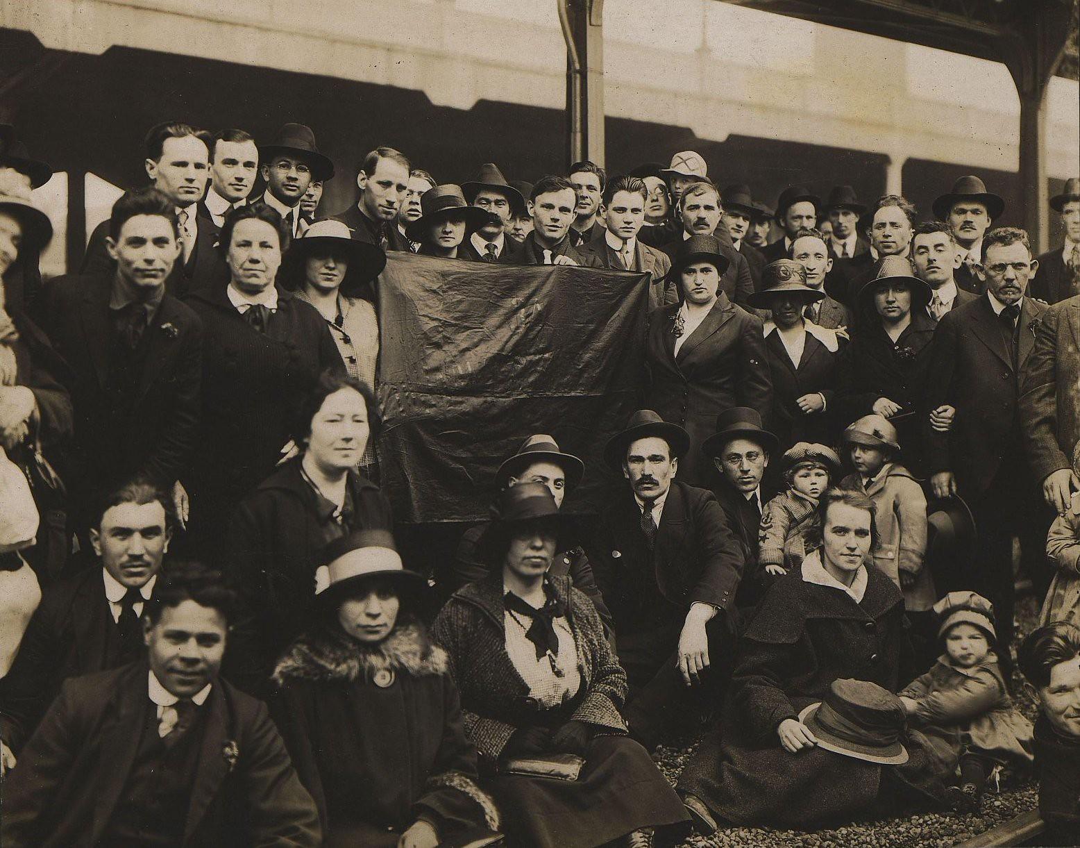 1 мая. Участники встречи русских эмигрантов в Америке. Сиэттл