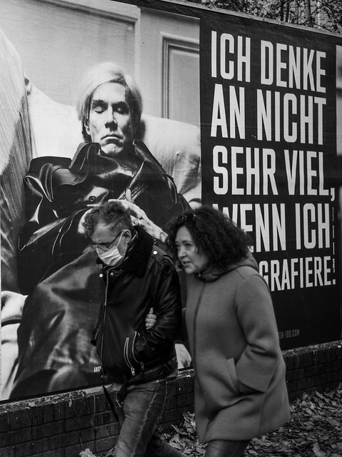 Helmut Newton II: Ich denke nicht sehr viel, wenn ich fotografiere - I don't think very much, when I photograph - with Andy Warhol