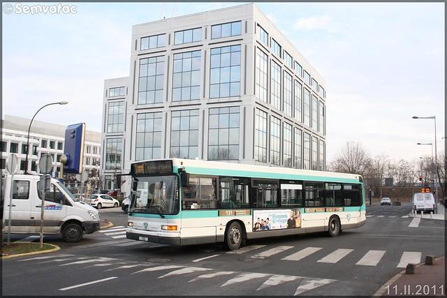 Heuliez Bus GX 317 (Renault Citybus) – RATP (Régie Autonome des Transports Parisiens) / STIF (Syndicat des Transports d'Île-de-France) n°1052