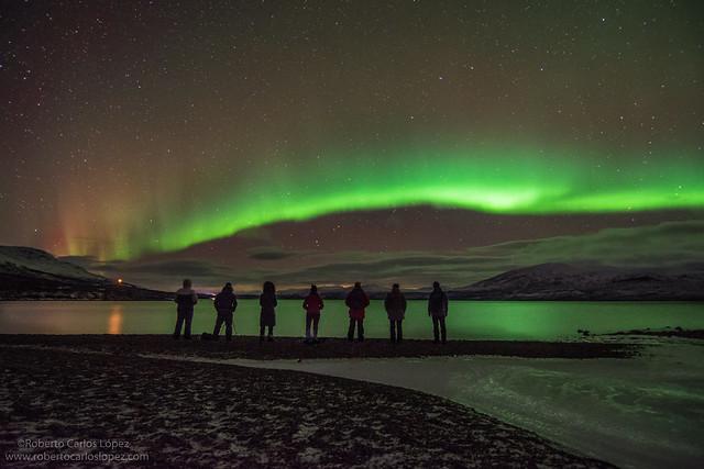 Viendo auroras boreales en un viaje a Laponia Sueca